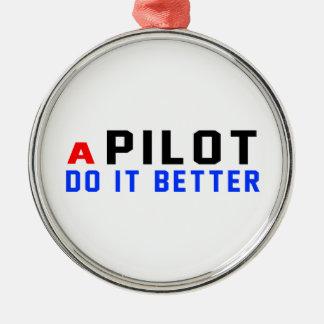 Un piloto mejora adorno redondo plateado