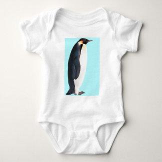 ¡Un pingüino en azul!  ¡Un regalo de la diversión T Shirts