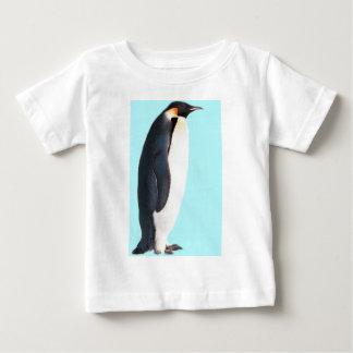 ¡Un pingüino en azul!  ¡Un regalo de la diversión T Shirt