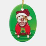 Un pitbull en una camiseta del oso adornos de navidad