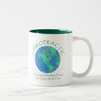 Un planeta más sano Chiro Taza Dos Tonos