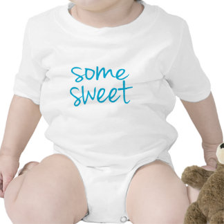 Un poco de dulce trajes de bebé