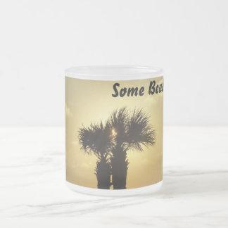 Un poco de playa tazas de café