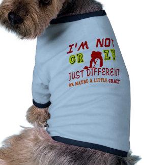 Un poco loco para encresparse camiseta con mangas para perro