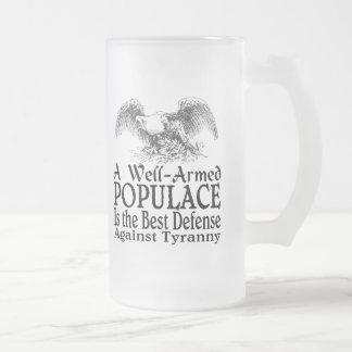 Un populacho bien armado es la mejor defensa taza cristal mate