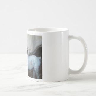 Un potro viejo del día - polvo de bebé taza clásica