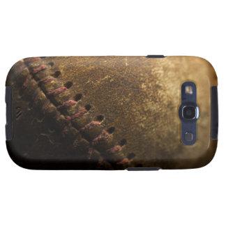 Un primer de un viejo béisbol. Tirado con bajo Galaxy S3 Coberturas