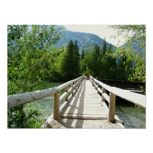 Un puente de madera en el parque nacional póster