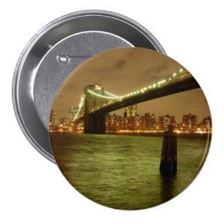 Un puente del botón de Brooklyn Pins
