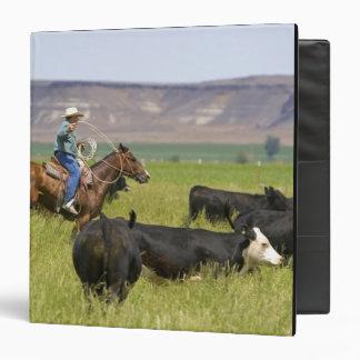 """Un ranchero a caballo durante un rodeo 2 del carpeta 1 1/2"""""""