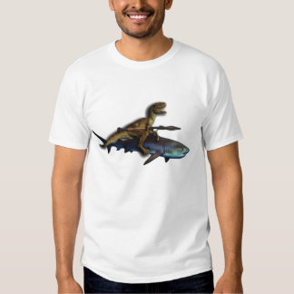 Un rapaz que monta un tiburón con un playeras
