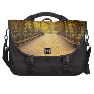 Un rastro de las hojas de otoño - Central Park Bolsas De Portatil