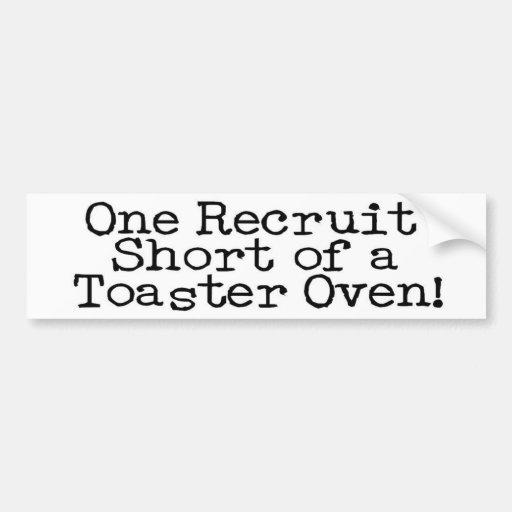 Un recluta corto… pegatina para auto