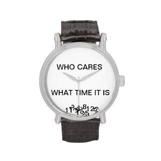 Un reloj con una torsión