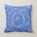 Un remolino abstracto de azul y de púrpura almohadas
