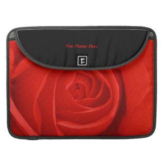 Un rosa rojo susurra la pasión fundas para macbook pro
