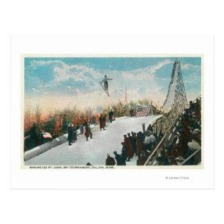 Un salto del torneo del esquí tarjetas postales