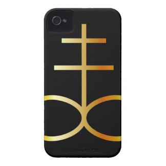Un símbolo de oro de la cruz o del azufre del funda para iPhone 4