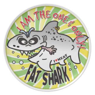 Un solamente tiburón gordo platos