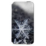 Un solo copo de nieve encendido se destaca funda billetera para iPhone 6 watson