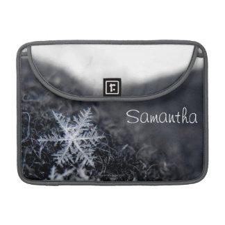 Un solo copo de nieve encendido se destaca funda para macbooks