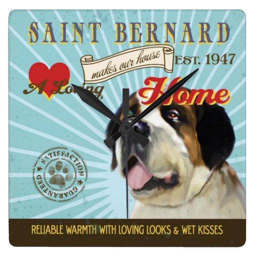 Un St Bernard cariñoso hace nuestro hogar de la ca Relojes De Pared