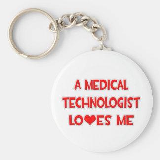 Un tecnólogo médico me ama llavero redondo tipo pin