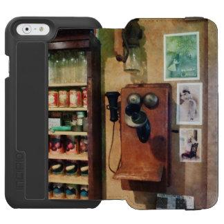 Un teléfono pasado de moda funda billetera para iPhone 6 watson