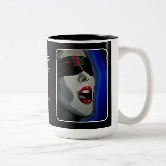 Un temblor en la taza de la noche