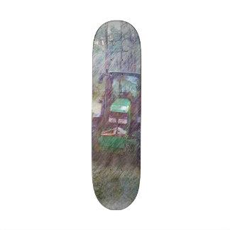 Un tractor en el bosque tablas de patinar