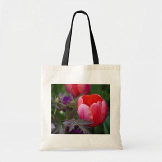 Un tulipán y otro se va bolsa