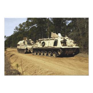 Un vehículo de recuperación M-88 comienza a Fotografía