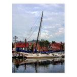 Un velero en el puerto de Annapolis Postal