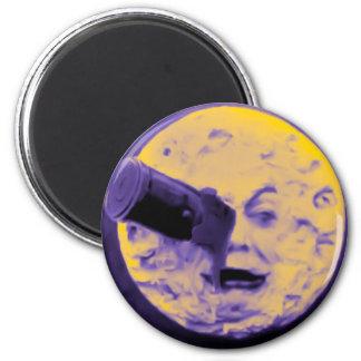 Un viaje a la luna (pelusa efervescente púrpura) imán redondo 5 cm