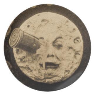 Un viaje a la luna plato de comida