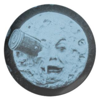 Un viaje a la luna platos