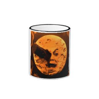 Un viaje a la luna (sepia de la naranja de sangre) taza de dos colores