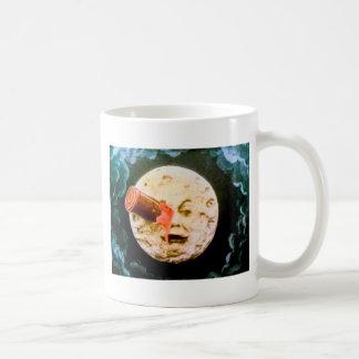 Un viaje a la luna taza básica blanca