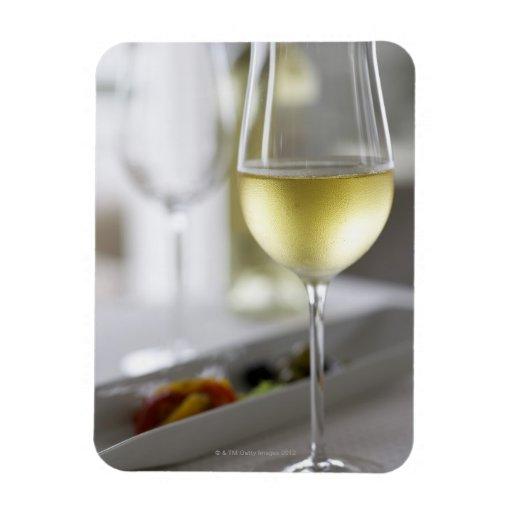 Un vidrio del vino blanco 2 imán foto rectangular