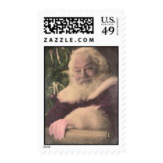 Un vintage real Papá Noel que comprueba hacia Envio