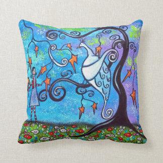Una almohada de tiro mágica del pavo real del desc