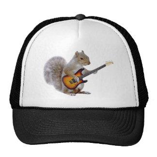 Una ardilla que toca la guitarra gorros bordados