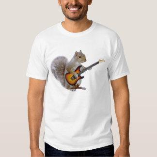 Una ardilla que toca la guitarra polera