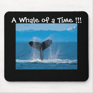 ¡Una ballena de una época!!! Alfombrillas De Raton