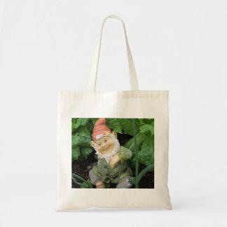 Una bolsa de asas del gnomo del jardín