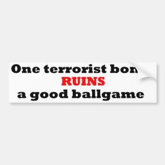Una bomba del terrorista arruina un buen juego de etiqueta de parachoque