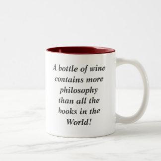 Una botella de vino contiene más filosofía que… taza