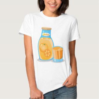 Una botella de zumo de naranja polera