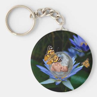 Una burbuja linda de la mariposa del lirio del beb llavero personalizado