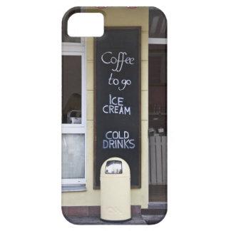 una cafetería con un café a ir muestra iPhone 5 Case-Mate carcasa